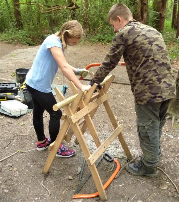 Passing on saw skills to each other