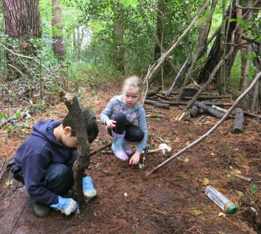 Teamwork to build a den
