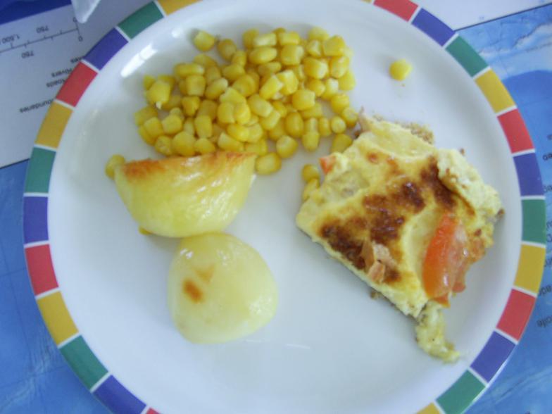 Cheese and tomato quiche
