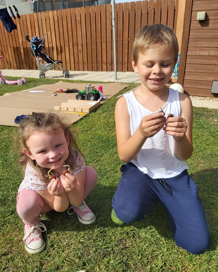 Thomas and Chloe with their bean seeds