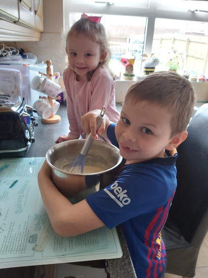 Thomas and Chloe making pancakes!