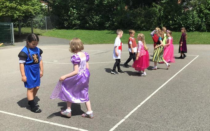 Fantastic medieval dancing.