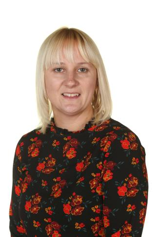 Mrs R Brewer - FS2 Teaching Assistant