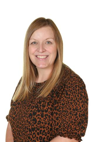 Mrs L Metcalf - Year Five Teaching Assistant