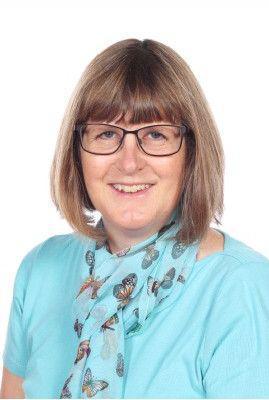 Mrs Liz Curtis