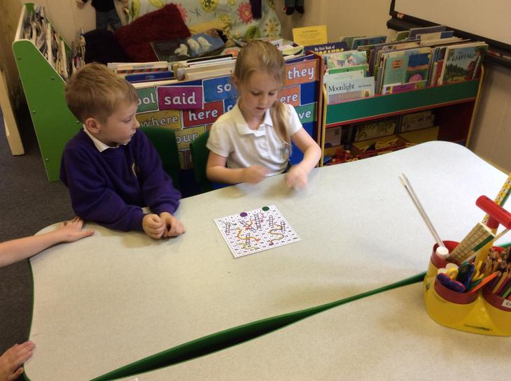 Snakes and Ladders learning number to 100.