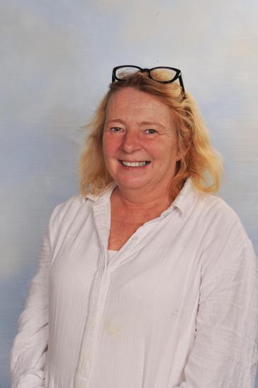 Mrs Nicky Russell - LSA & Forest School Teacher