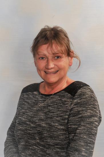 Mrs Lorraine Shopland - LSA & Munch Bunch Assistant