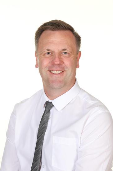 Mr Robertson - Executive Headteacher