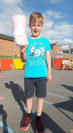 An impressive candy floss!