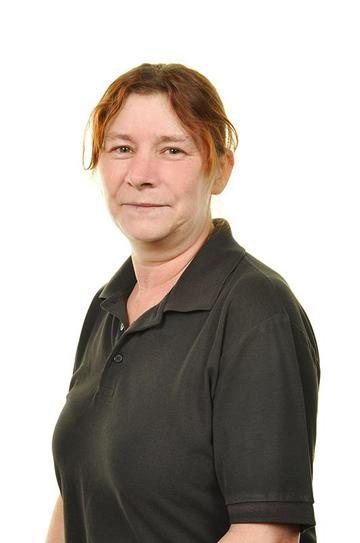 Mrs Julie Watts Kitchen Assistant