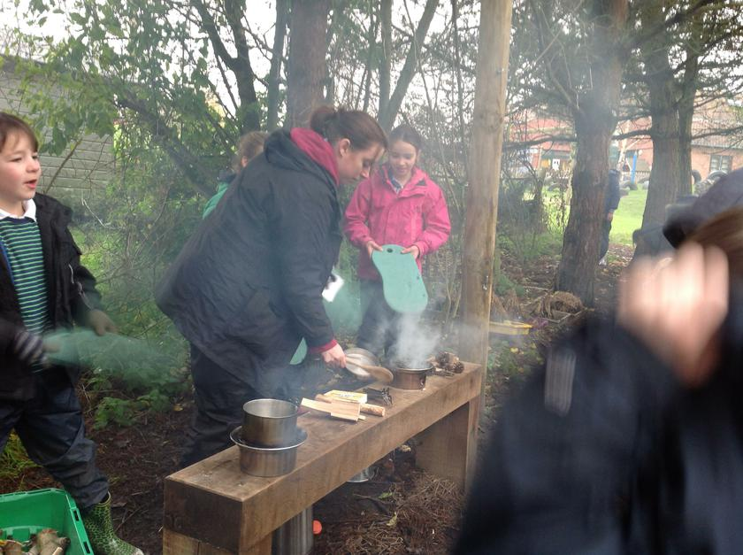 Learning how to cook Forest School style