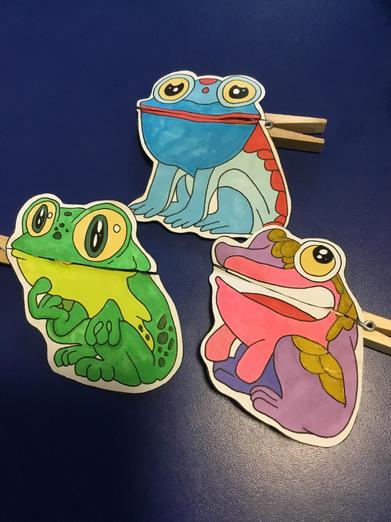 Frog peg puppets