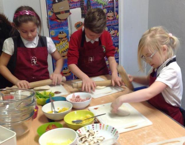 Year 3 Making Pizza