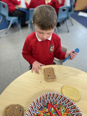 Number recognition and fine motor development