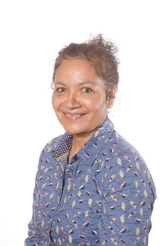 Mrs Fleurange Bennett - Y1/2 Teaching Assistant