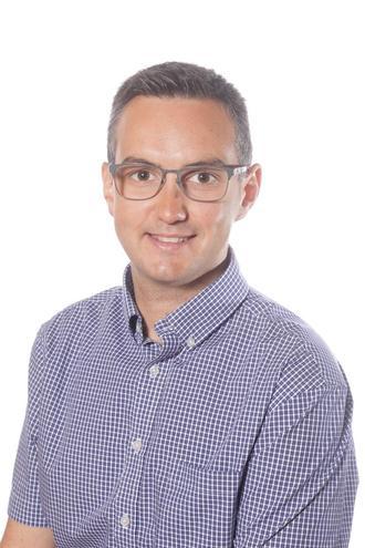 Mr Andrew Robinson - Y5/6 Phase Leader/Y5/6 Class Teacher