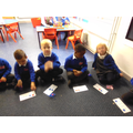 Exploring making numbers in different ways during a maths teaching session.