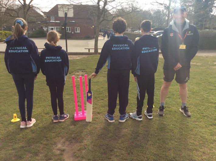Dorset Cricket Coach, Sean Fitzpatrick, has been working with our KS2 pupils.