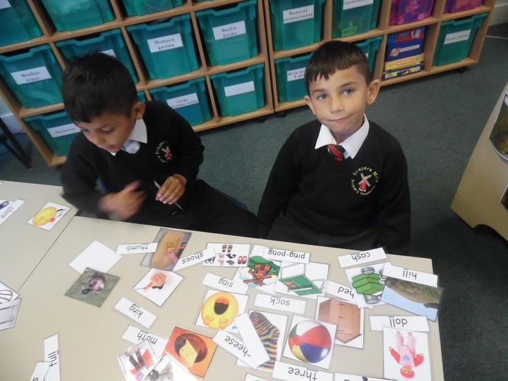 Matching words to pictures