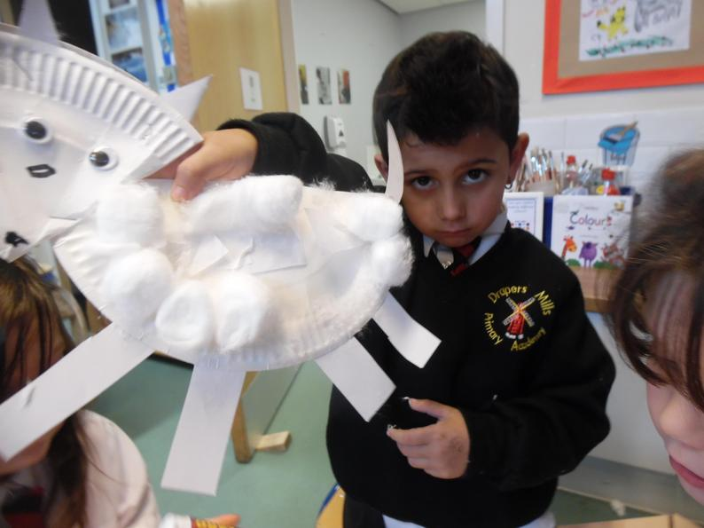 We cut out 2D shapes to make cute Arctic foxes