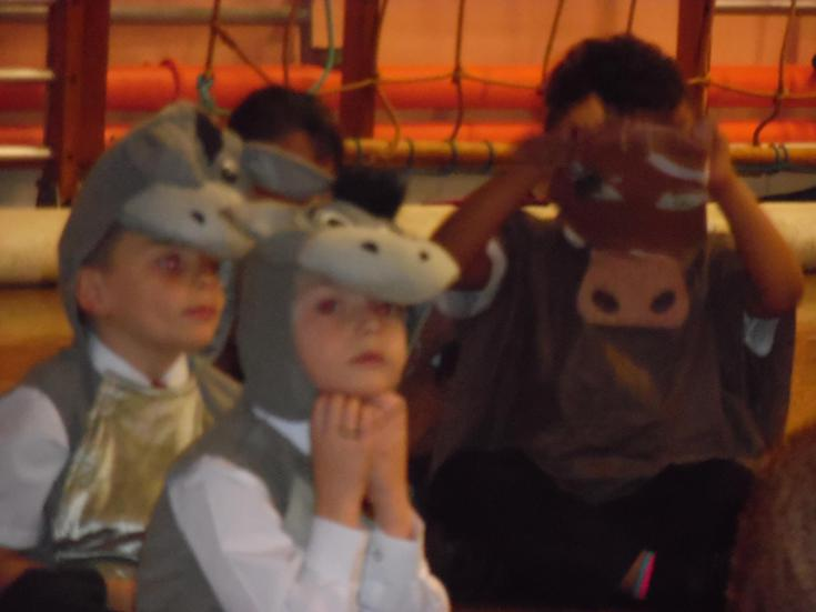 Year 2 continuing to practise their Xmas play!