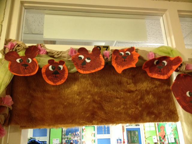 We used a fork and paint to create these bears.