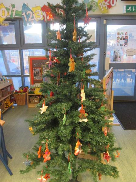 The children made their own decorations for the tree.