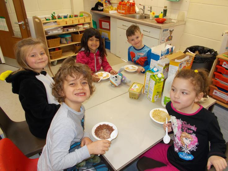 The pupils had breakfast throughout the morning.