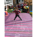 Recognising numbers through hopscotch