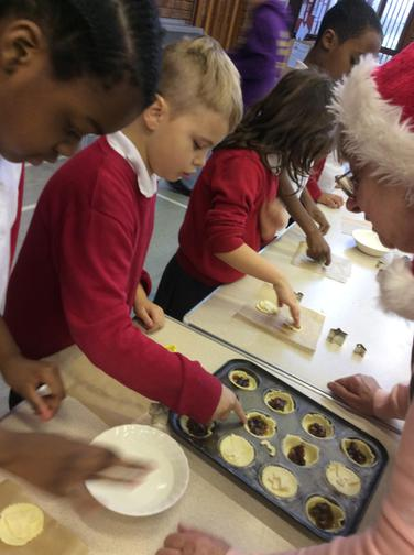 Making our own mince pies!