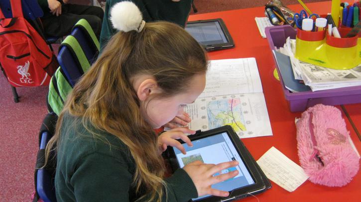 Making topic books on 'Book Creator' (iPad app)