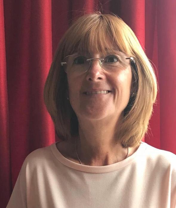 Mrs Y Holmes