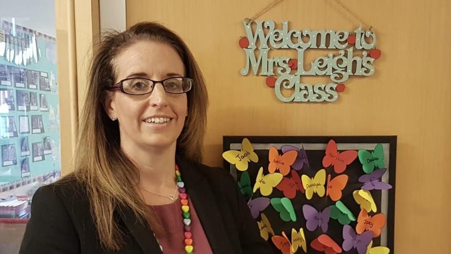Mrs M Leigh
