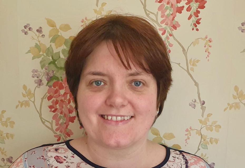 Mrs E Cox