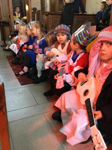 Ukelele rehearsal - Infants