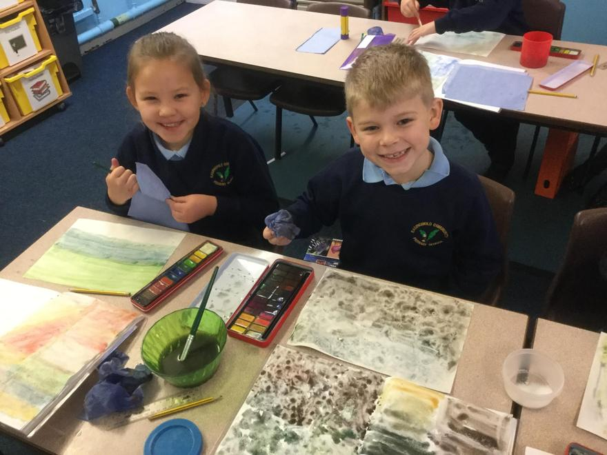 We are artists! Exploring watercolour textures.