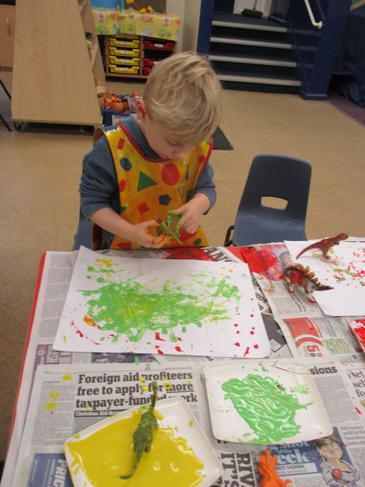 Painting with dinosaurs