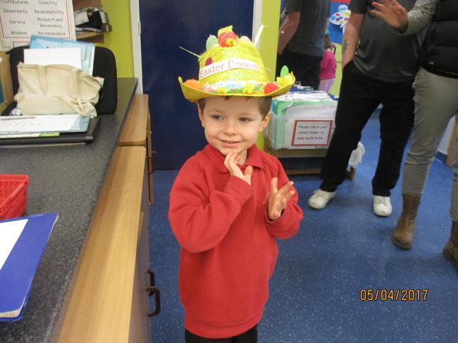Riley's wonderful Easter Bonnet!