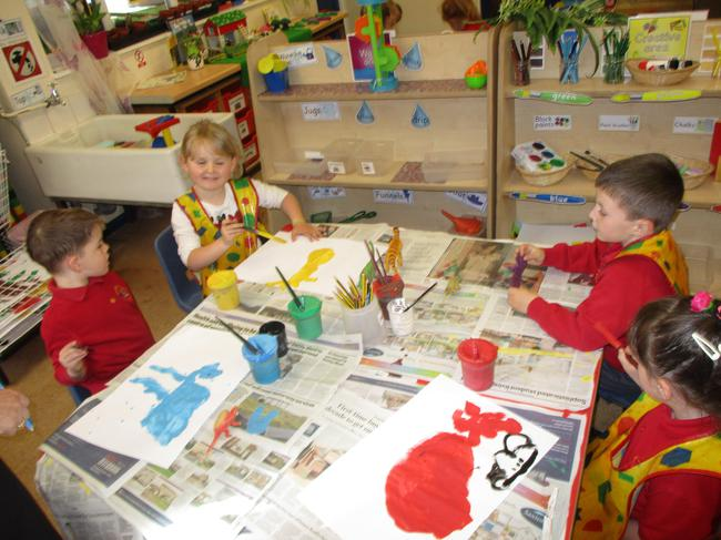 Painting a picture of a Dinosaur!