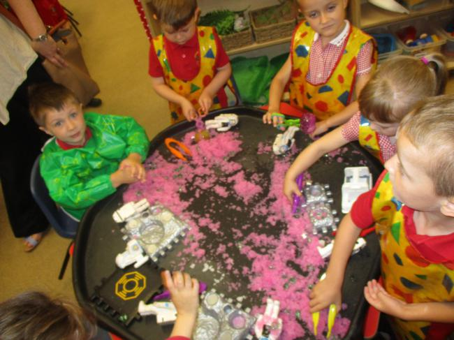 Messy play - space small world