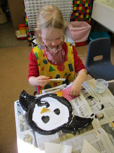 Paper plate penguin!