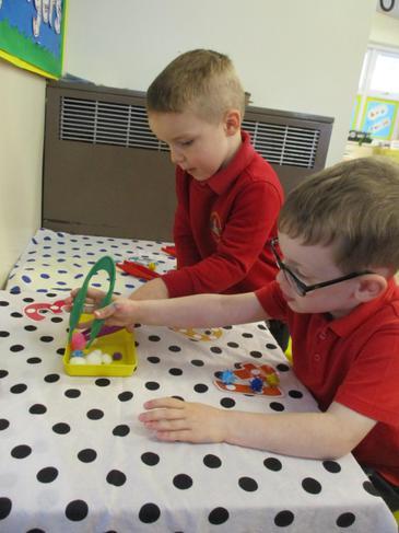 Fine motor skills - adding the correct quantities