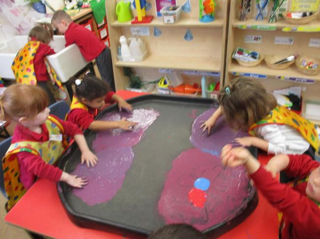 Colour mixing/ drawing butterflies