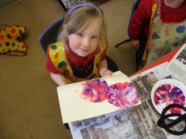 Shaving foam and paint planets
