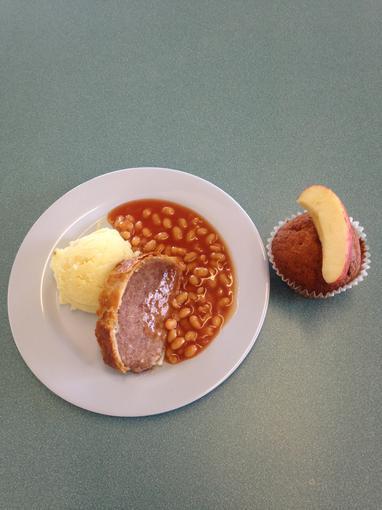 Sausage roll and mash; Banana muffin