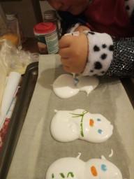 Harrison's meringue snowmen