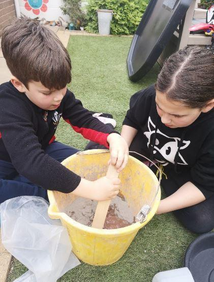 Making and decorating stones