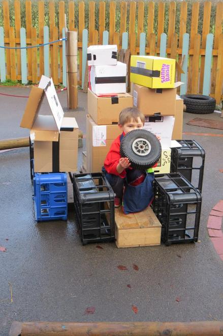Stacking the parcels of different weights