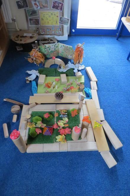 We set up Autumn small world environments...